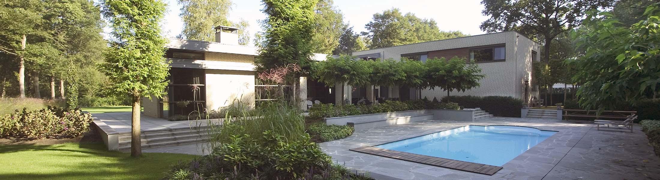 Bent u op zoek naar een hovenier nuenen fons linders for Huis en tuin nuenen