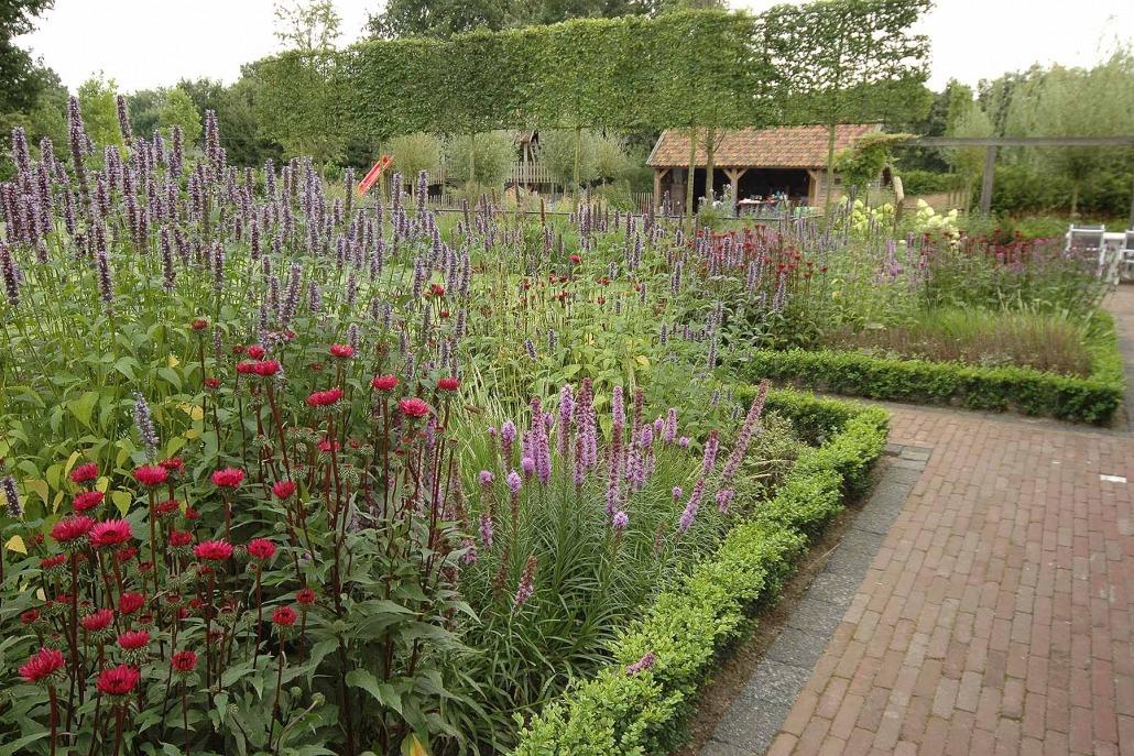 Exclusieve tuin met bloemetjes